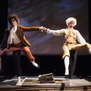 podiumfoto 4, ORFEO, een drama van karton